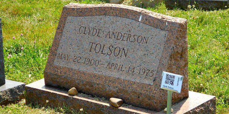 Grabstein mit QR-Code: Friedhofssoziologen erforschen auch den digitalen Wandel auf Friedhöfen