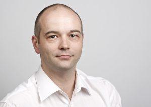Dr. Stefan Höltgen