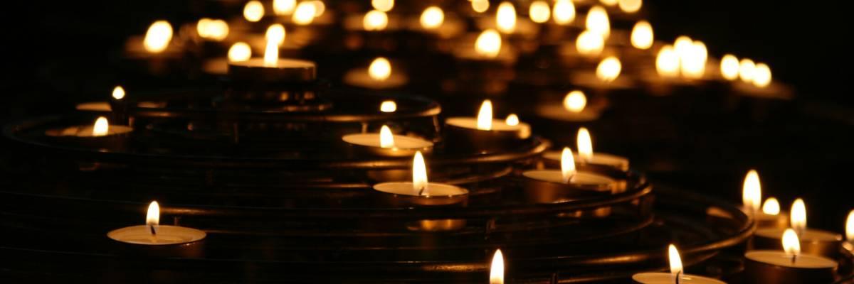 Kerzen - beliebtes Sinnbild der (digitalen) Trauer und auf vielen Gedenkseiten
